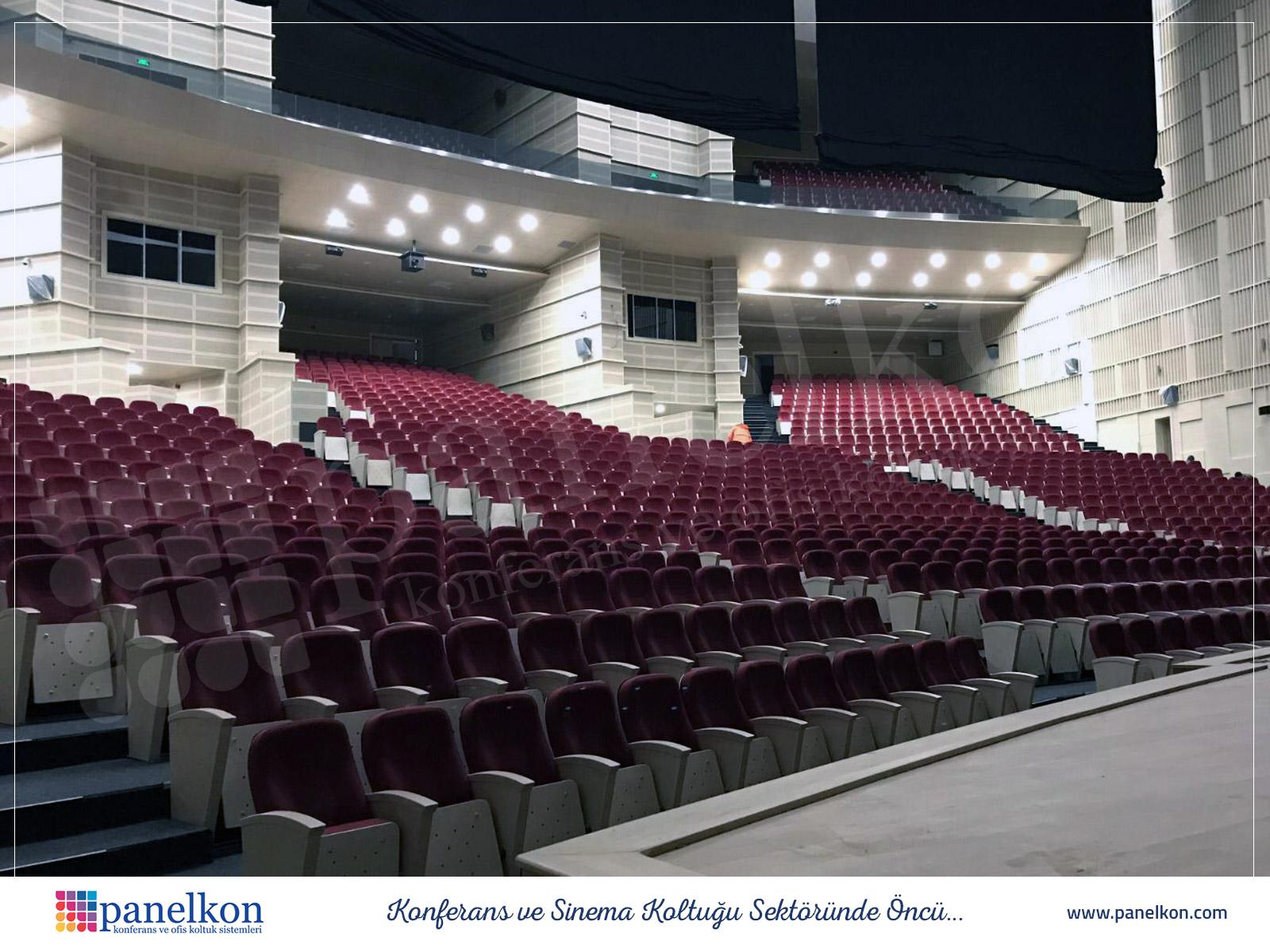 kayseri-kültür-merkezi-konferans-salonu-koltuklari